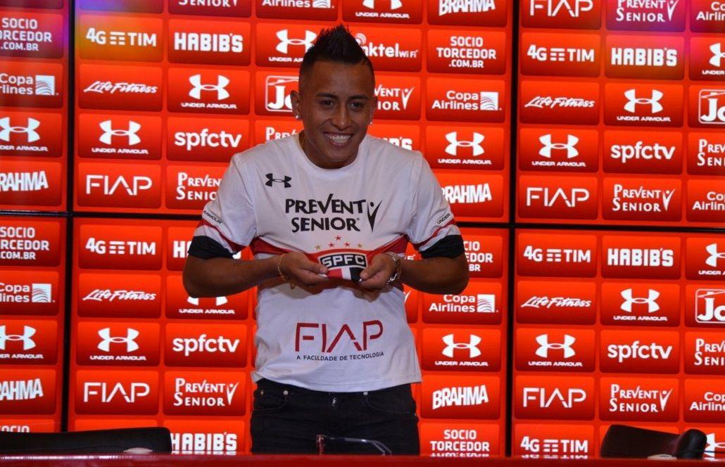 La peor presentación: el tremendo blooper del nuevo jugador del San Pablo