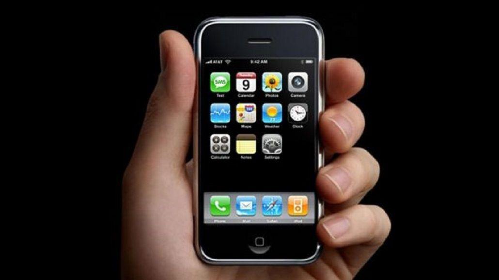 Un hombre demanda a Apple al considerarse el precursor del iPhone