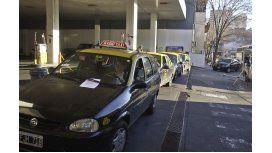 La furia de taxistas por la sorpresiva suspensión del suministro de GNC