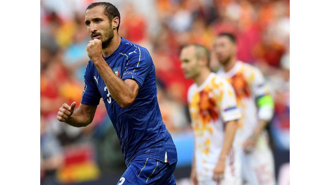 El bicampeón, afuera: Italia venció a España y lo eliminó en octavos