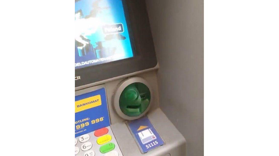VIDEO: Mirá cómo hacen para robarte los datos de la tarjeta de débito