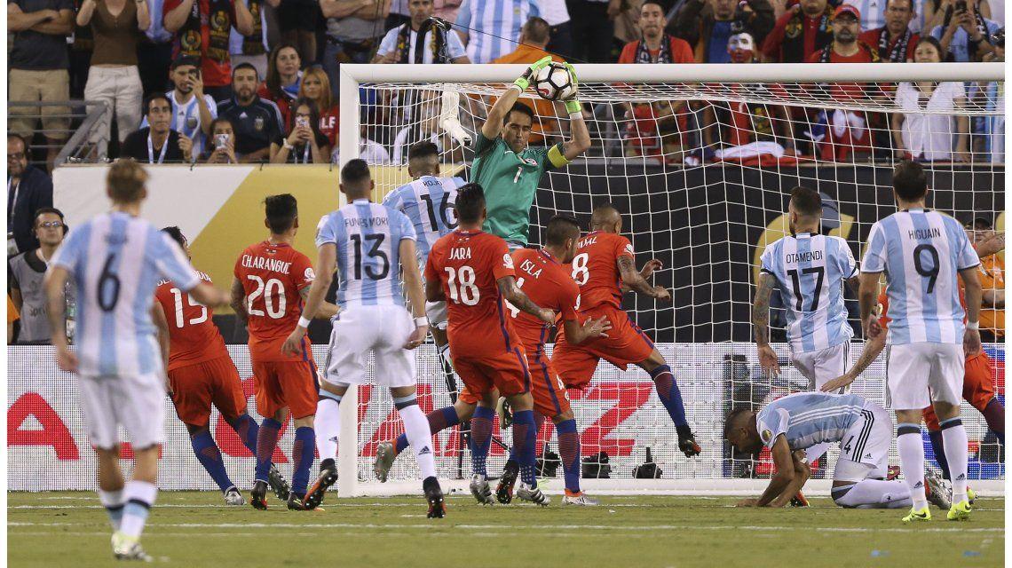 El último duelo fue en la final de la Copa América Centenario y fue triunfo chileno en los penales