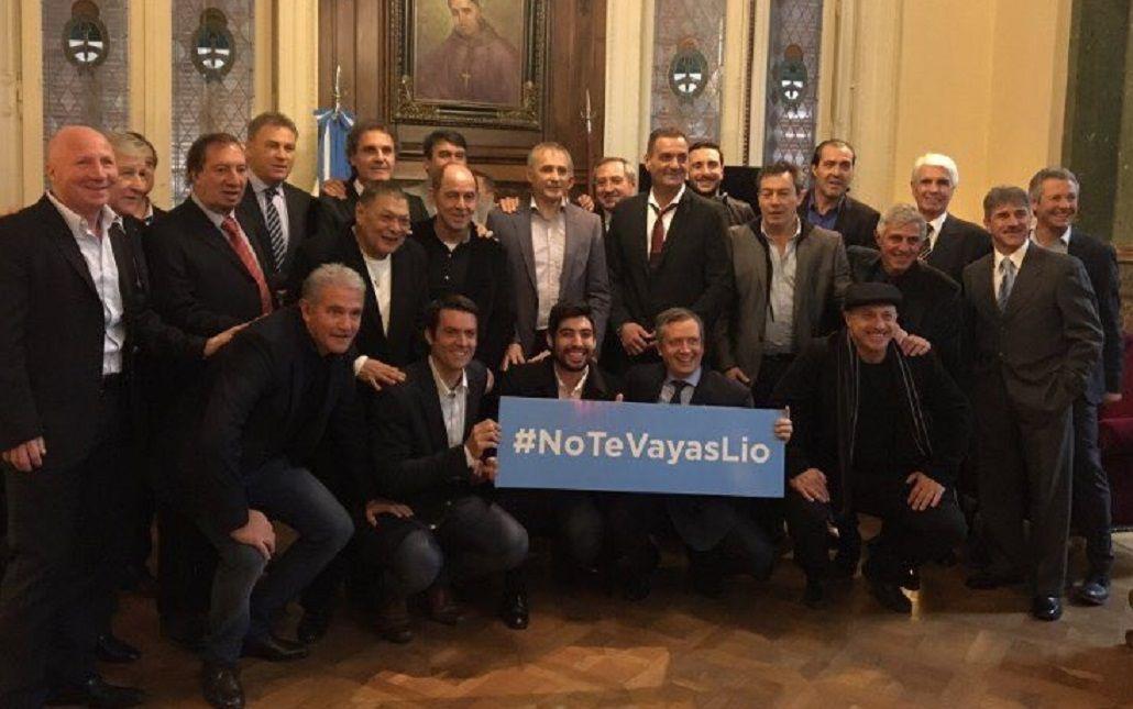 #NoTeVayasLio Los campeones del 86 también se sumaron a la movida