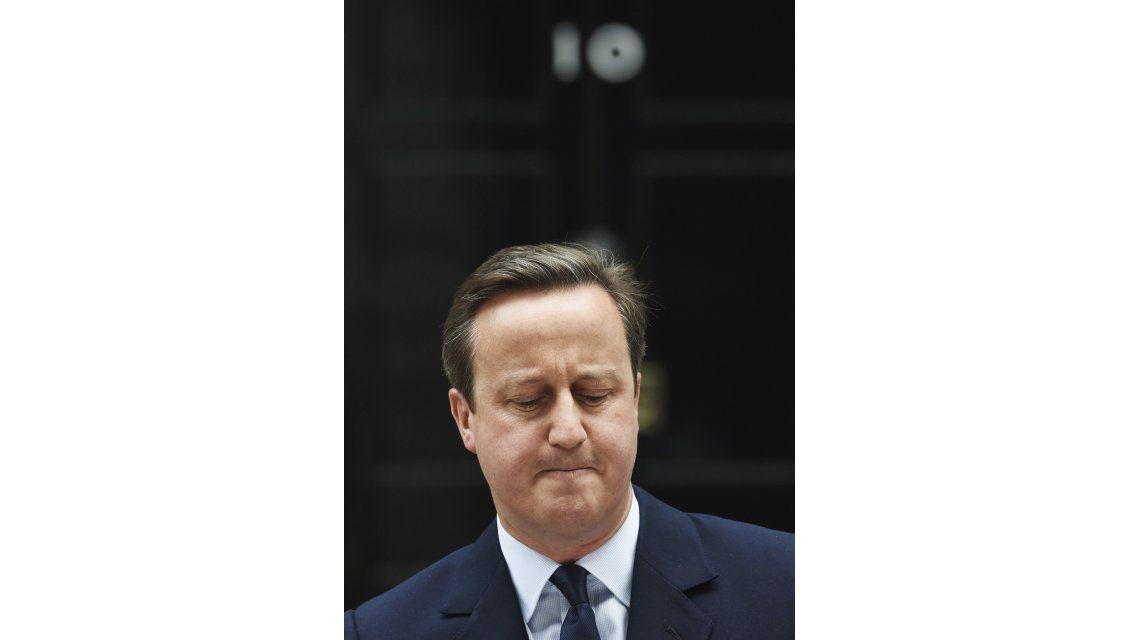 Tras el Brexit, renunció el primer ministro británico David Cameron