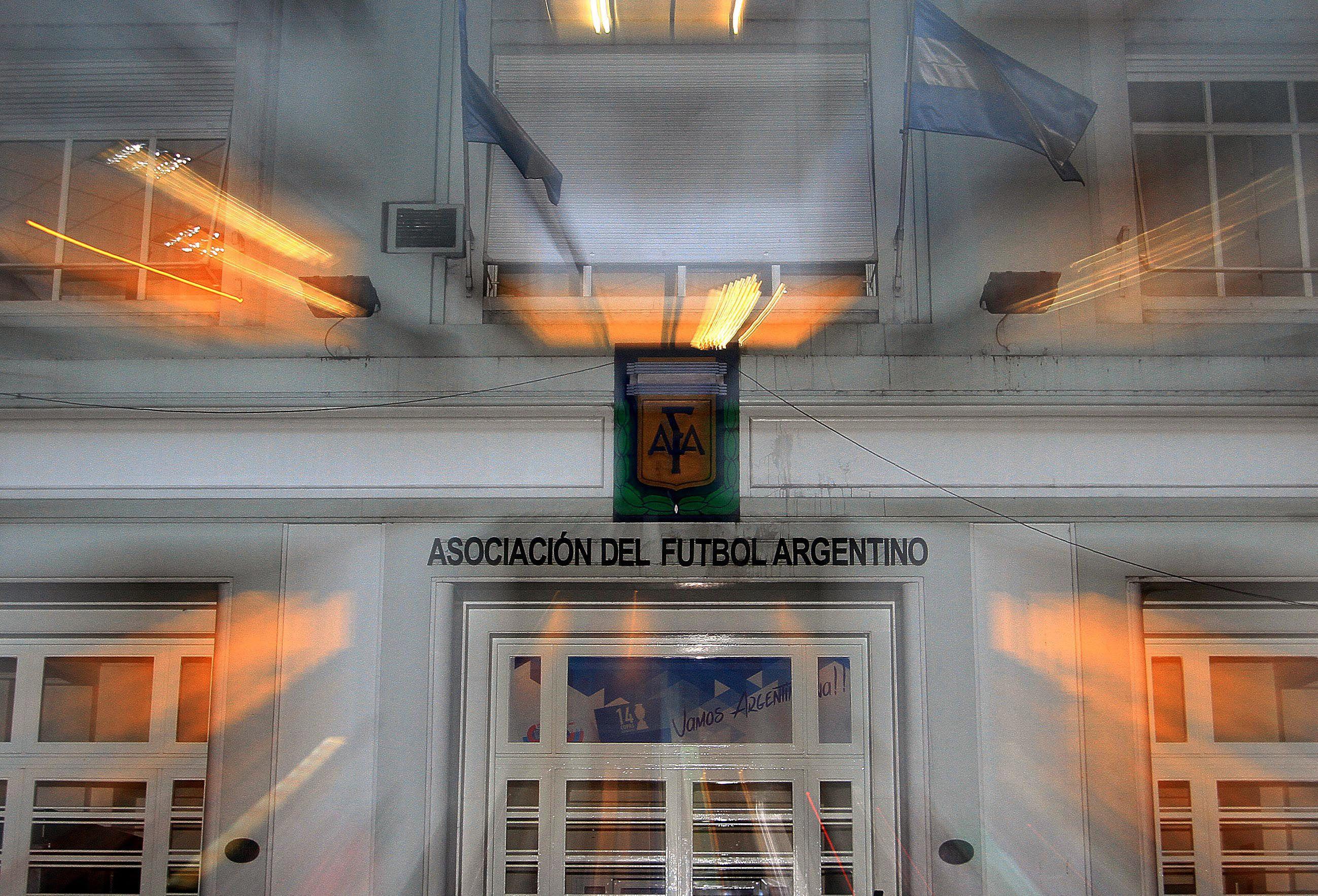 Los clubes de Primera criticaron a la Comisión Normalizadora