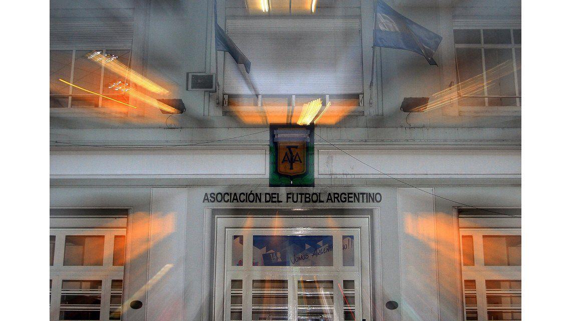 Los clubes de Primera apoyan el reclamo del ascenso, pero no irán al paro