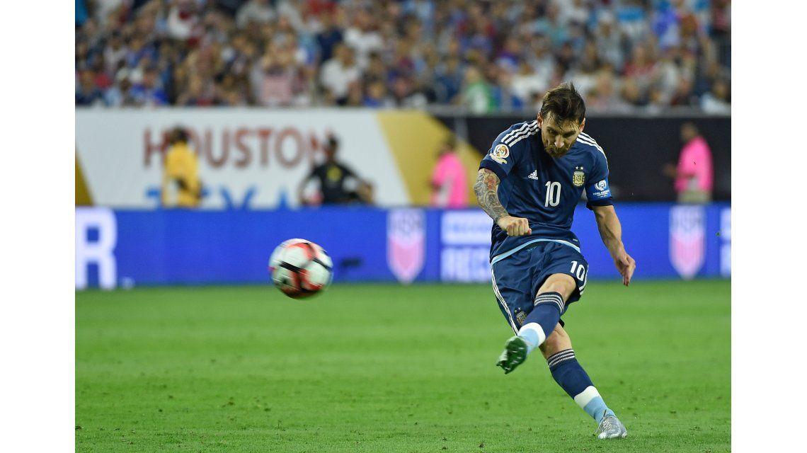 Insuperable: Messi la colgó del ángulo y es el máximo goleador de la Selección