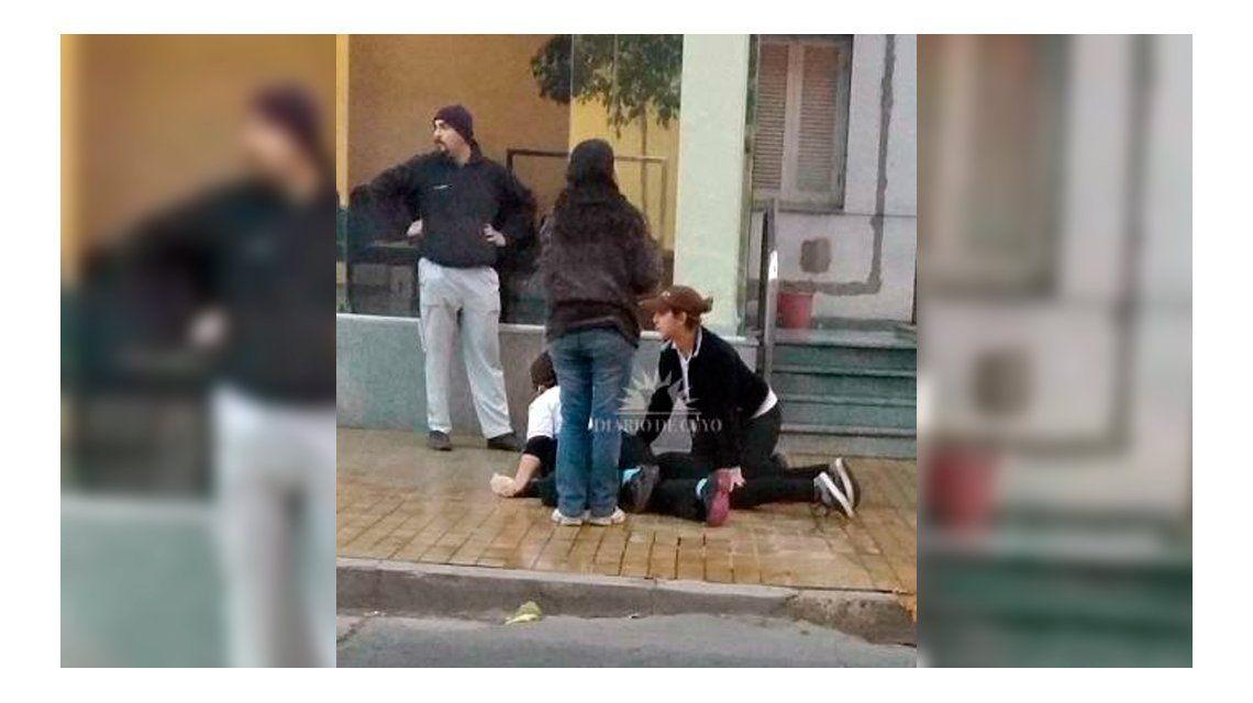 La echaron de su trabajo y amenazó a su jefa con un cuchillo