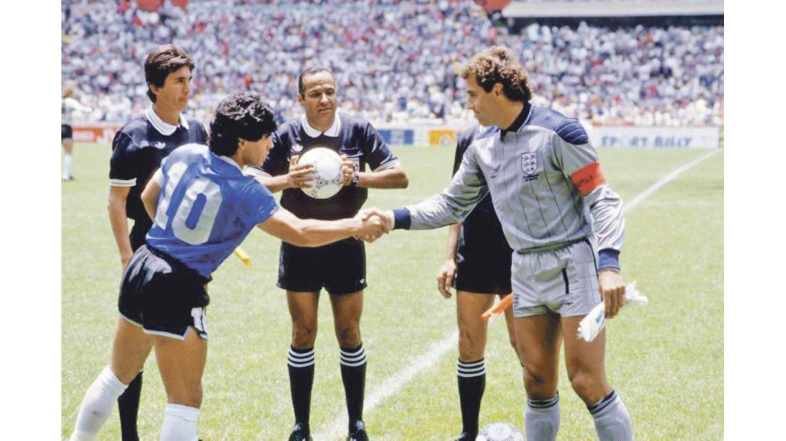 Los medios ingleses siguen sufriendo por Maradona: 30 años de dolor