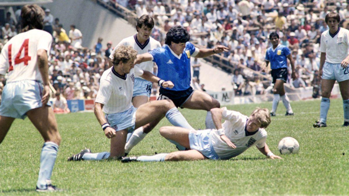 La particular historia de la camiseta más famosa que usó Maradona ... a7e465ff9336b