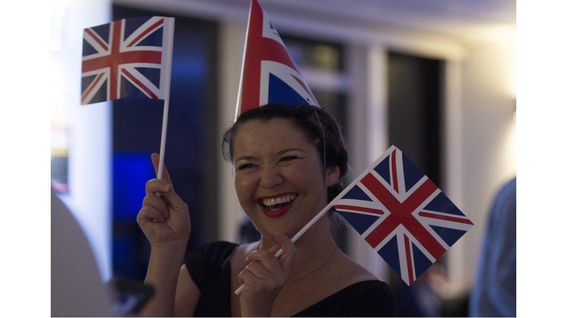 Después del triunfo del Brexit, miles de británicos averiguan qué es la UE
