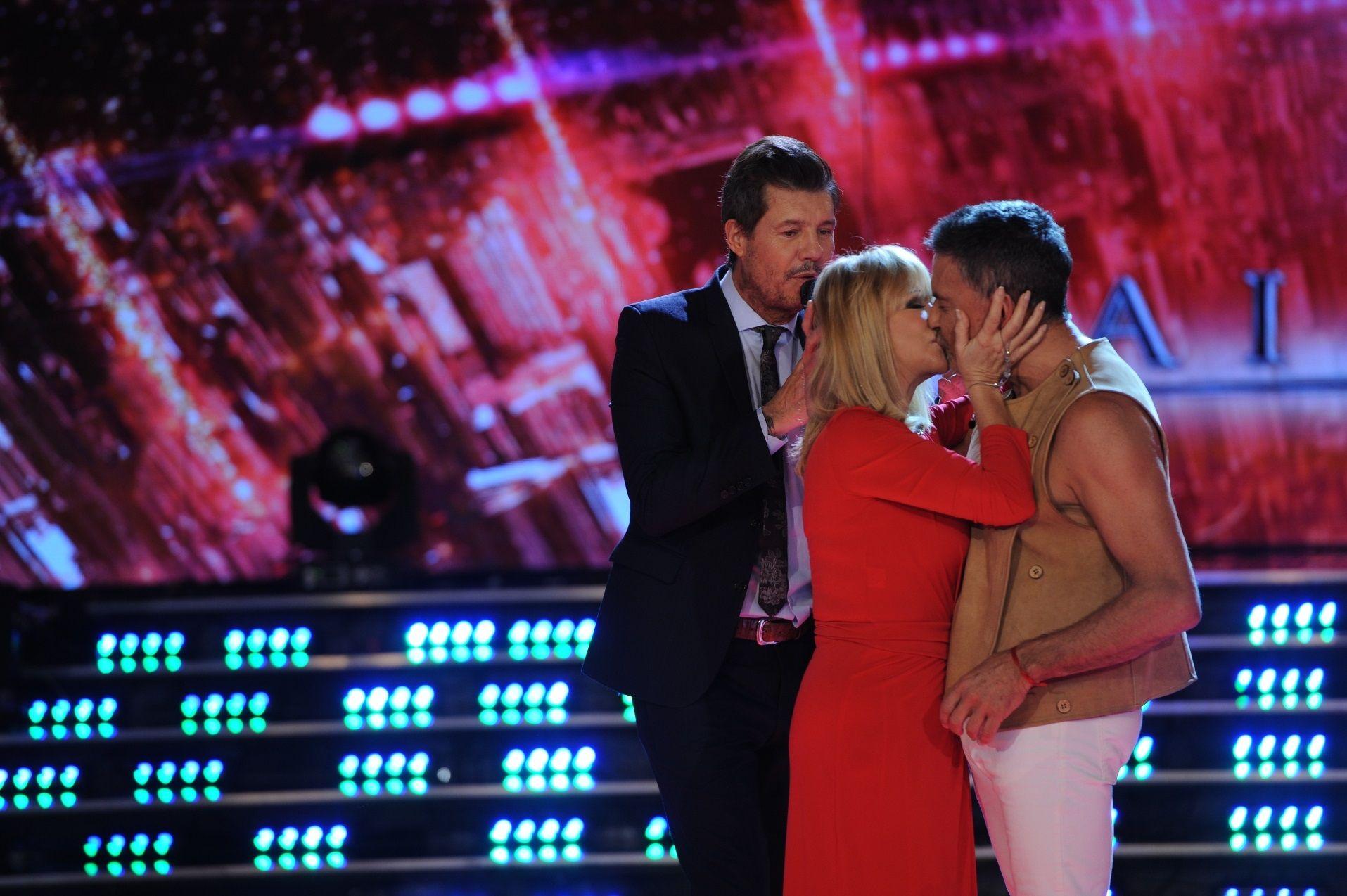Osvaldo Laport y Solita se besaron en la boca ¡pero el galán le puso un freno!