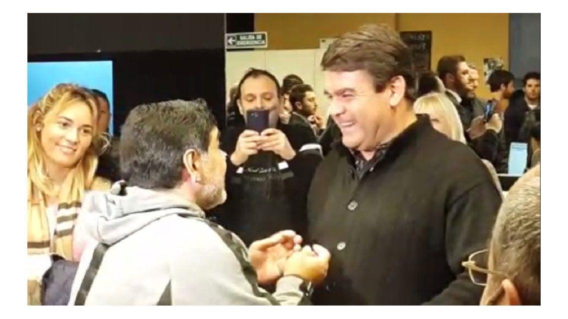 VIDEO: Así fue el encuentro entre Diego Maradona y el Tata Brown