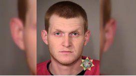 Arrestaron a un hombre que manoseó a una chica de 13 años durante un vuelo