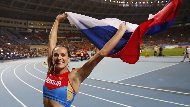 Tras su ausencia en Río 2016, Isinbayeva anunció su retiro del atletismo