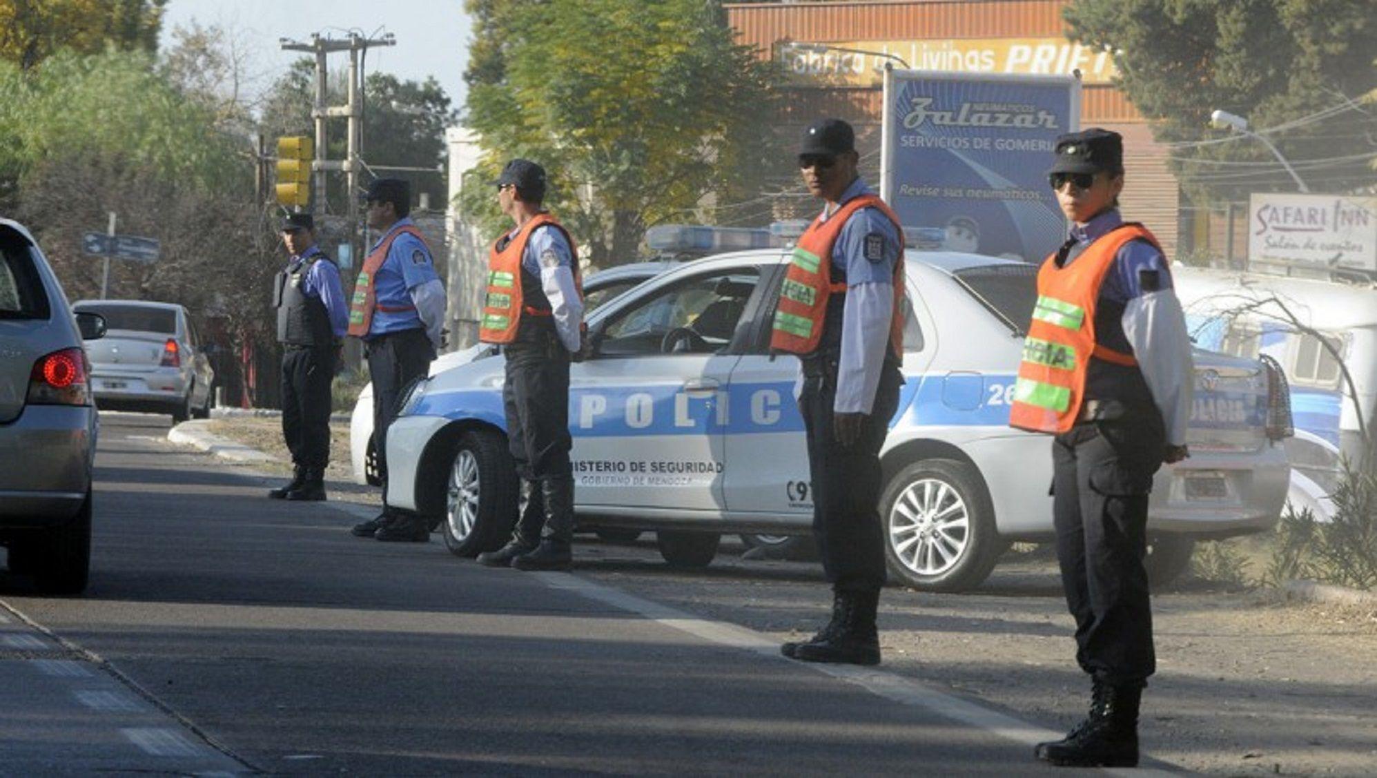 Un policía denunciado por violencia de género fue nombrado comisario general de Mendoza