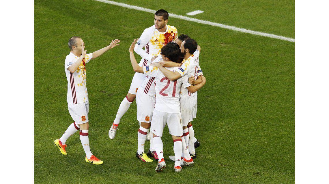 España se durmió, cayó ante Croacia y jugará ante Italia en octavos de la Eurocopa