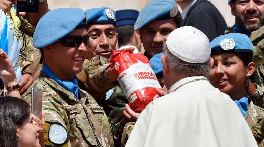 El regalo bien argentino que los Cascos Azules le hicieron al Papa