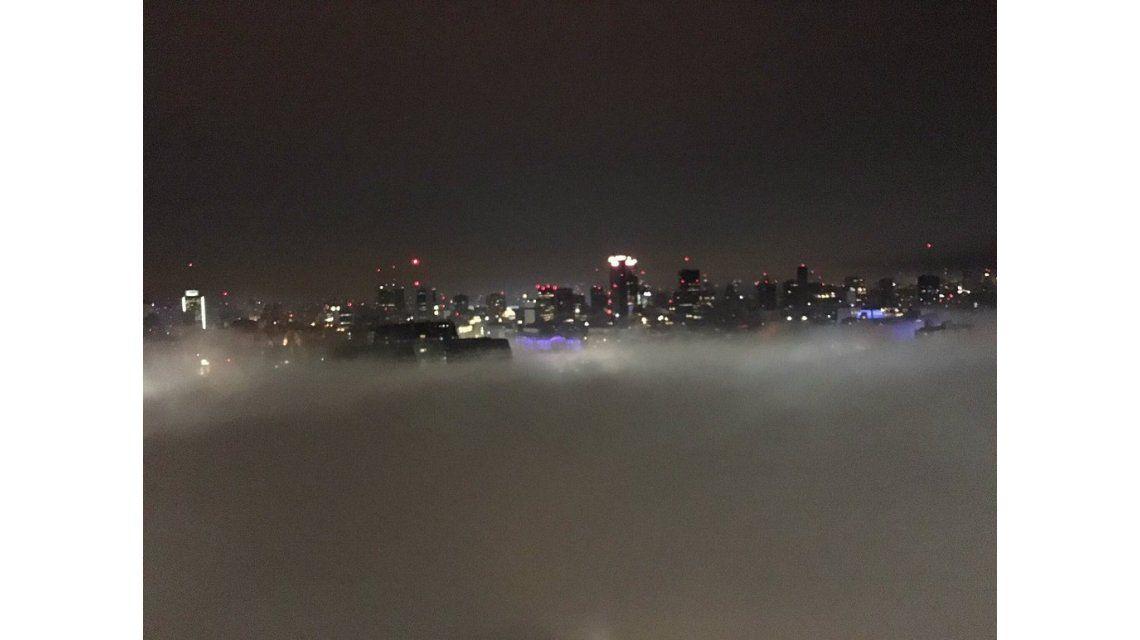 Demoras y cancelaciones en Aeroparque por espesa niebla