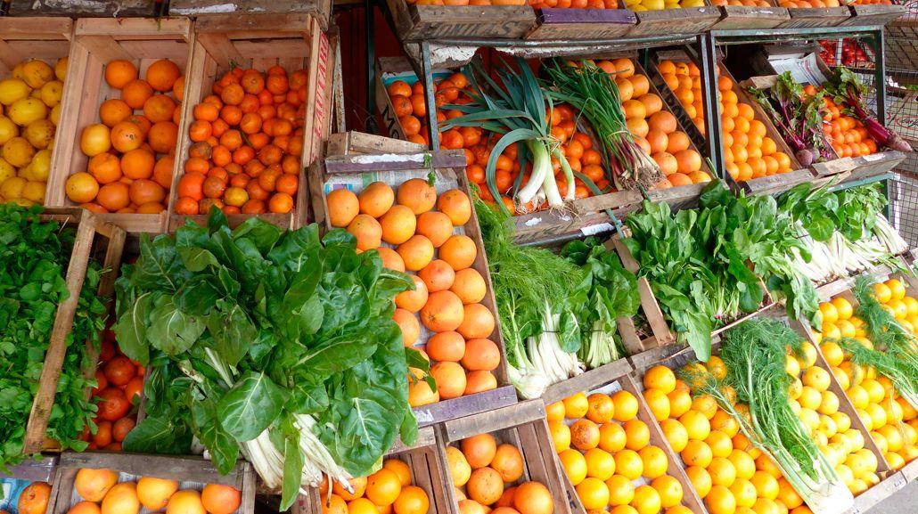 ¿Cómo hacer para ahorrar más del 30% en la compra de frutas y verduras?