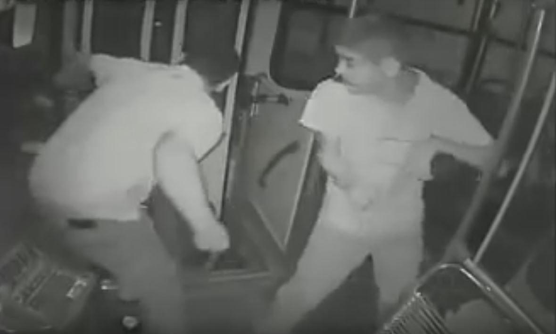 VIDEO: Un joven discapacitado frustró un robo y le salvó la vida a un chofer