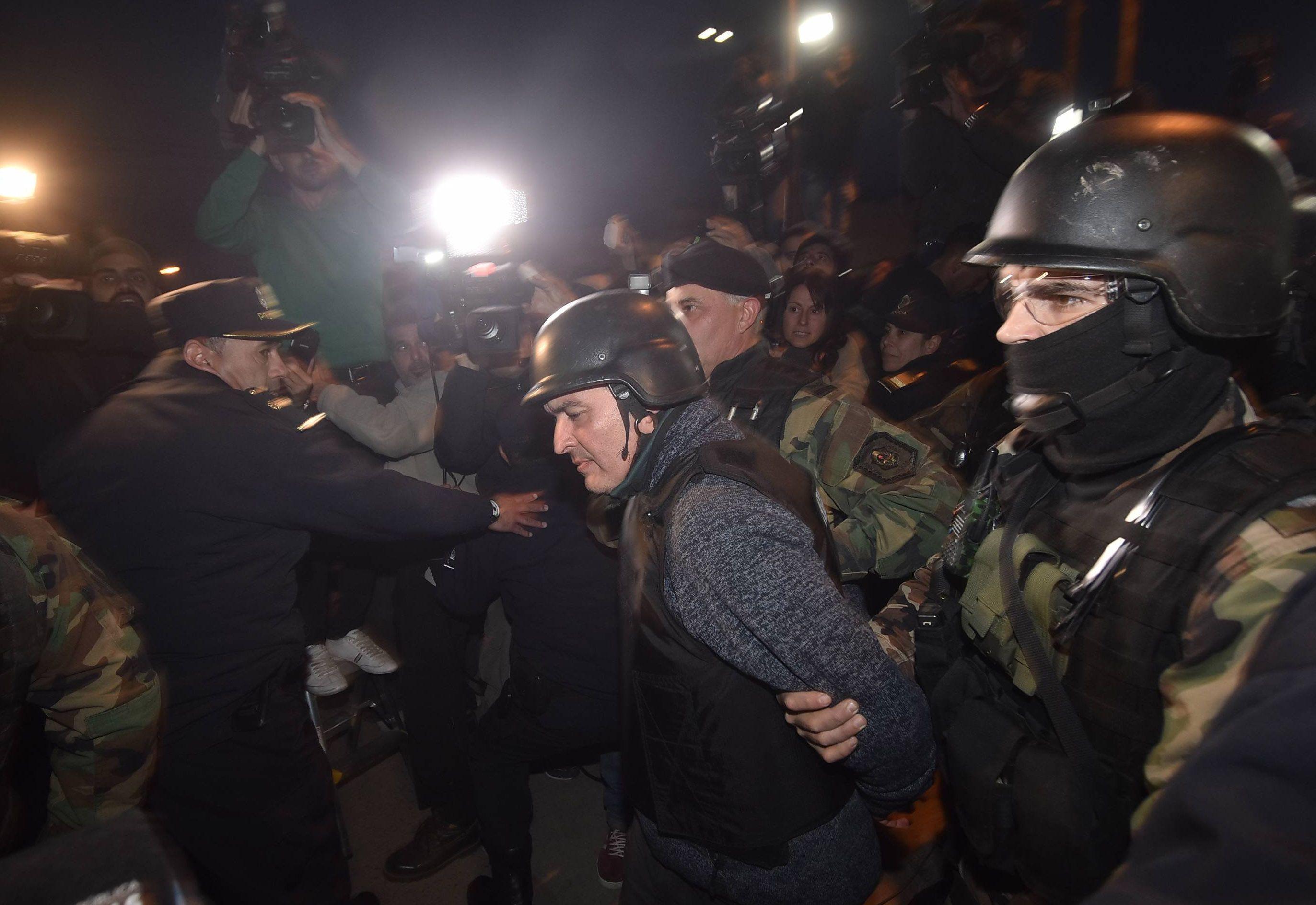 Los policías que rechazaron el soborno de López serán ascendidos