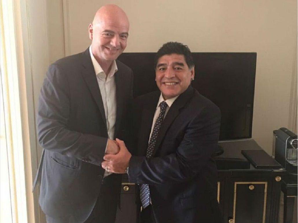 Se amigó con Infantino: Maradona será veedor de FIFA para supervisar la Súper Liga