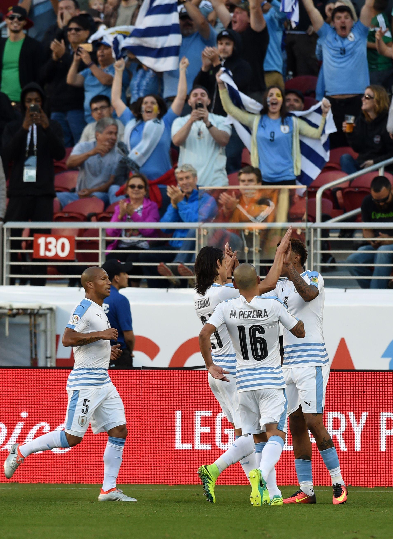 Uruguay se despidió de la Copa América con una goleada ante la débil Jamaica