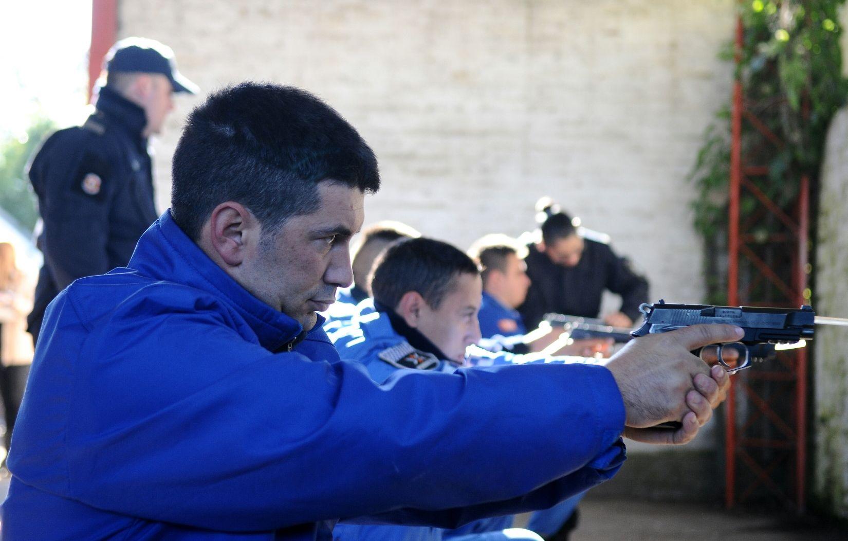 Bochazo en la Bonaerense: mandaron de vuelta al colegio a los cadetes