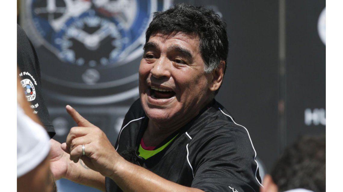 Maradona reafirmó que Messi no es líder y dijo que su intención es cuidarlo