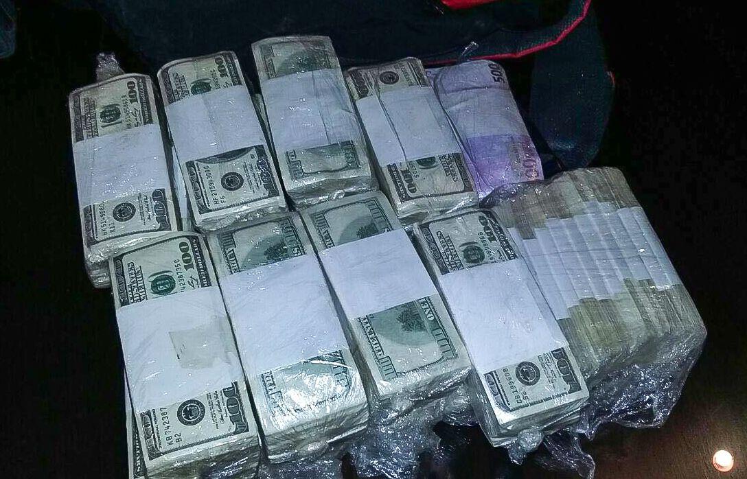 Los millones de dólares con los que José López fue atrapado.<br>