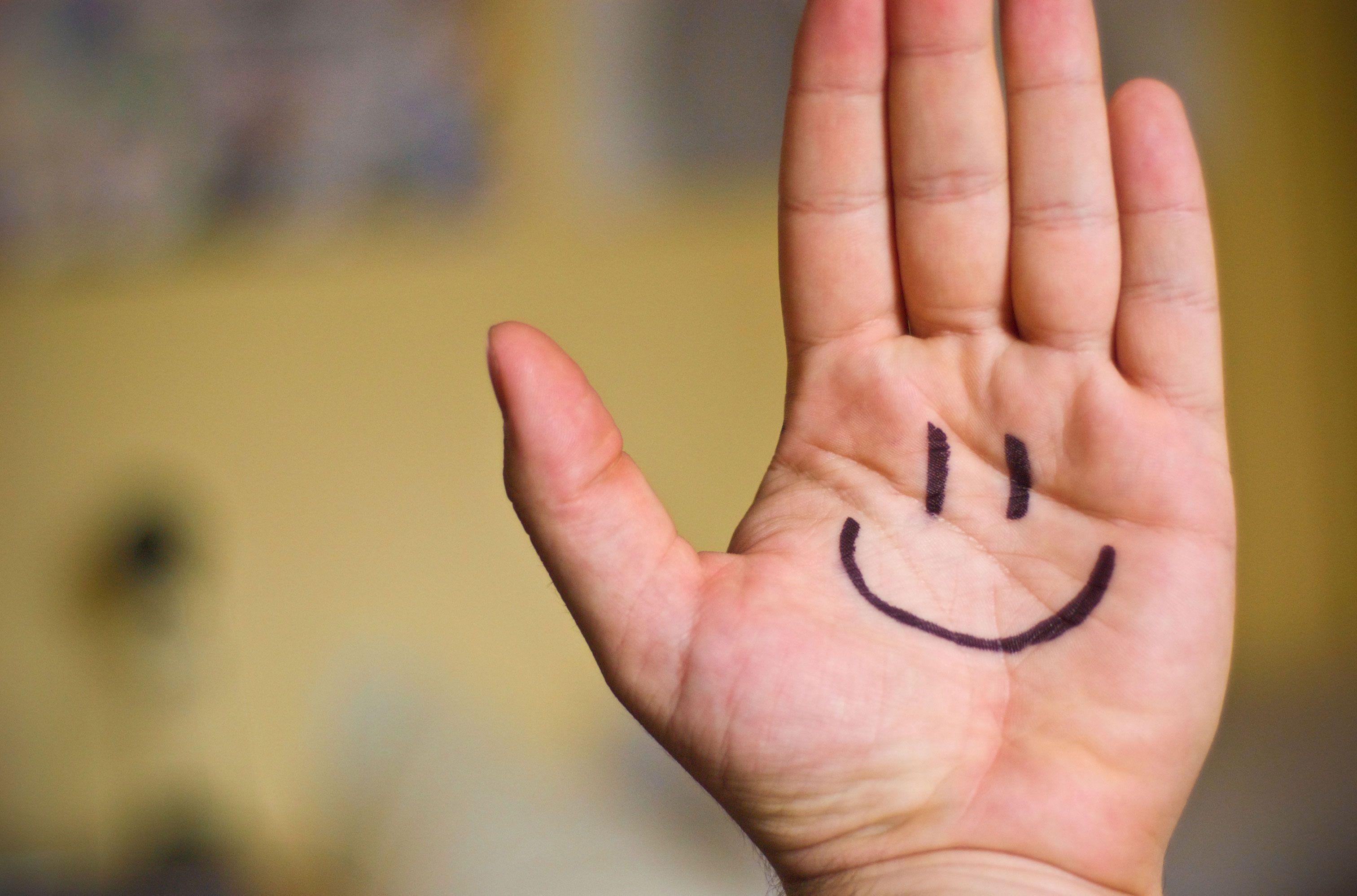 Mejoran la fórmula matemática de la felicidad para que tenga en cuenta la envidia y la culpa