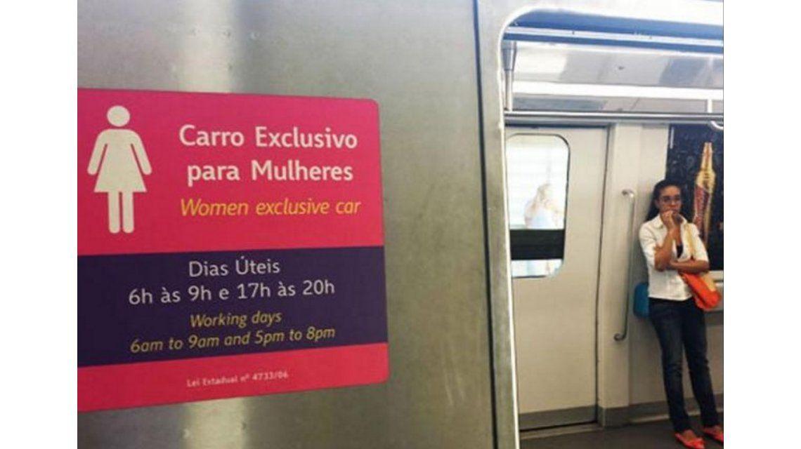 ¿En qué países circulan vagones exclusivos para mujeres y cómo funcionan?