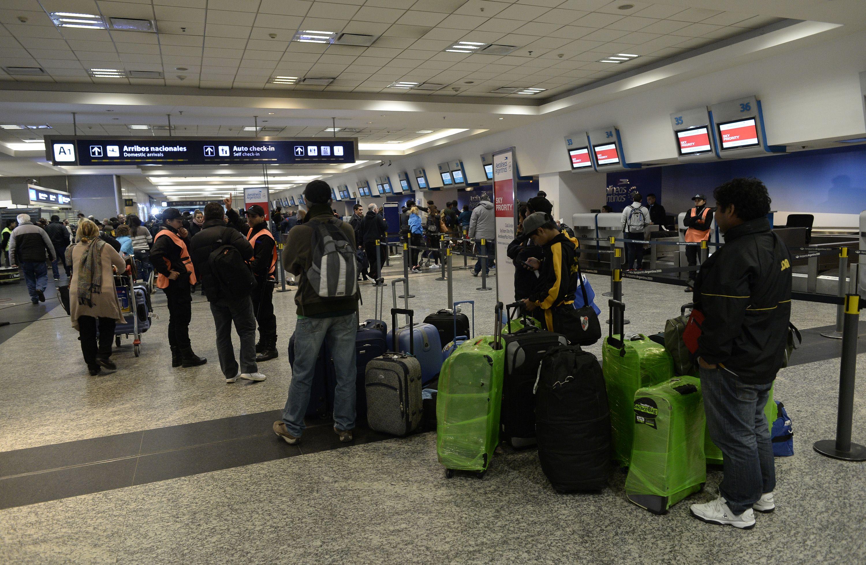 Pilotos argentinos podrían ir al paro y se cancelarían vuelos en los próximos días