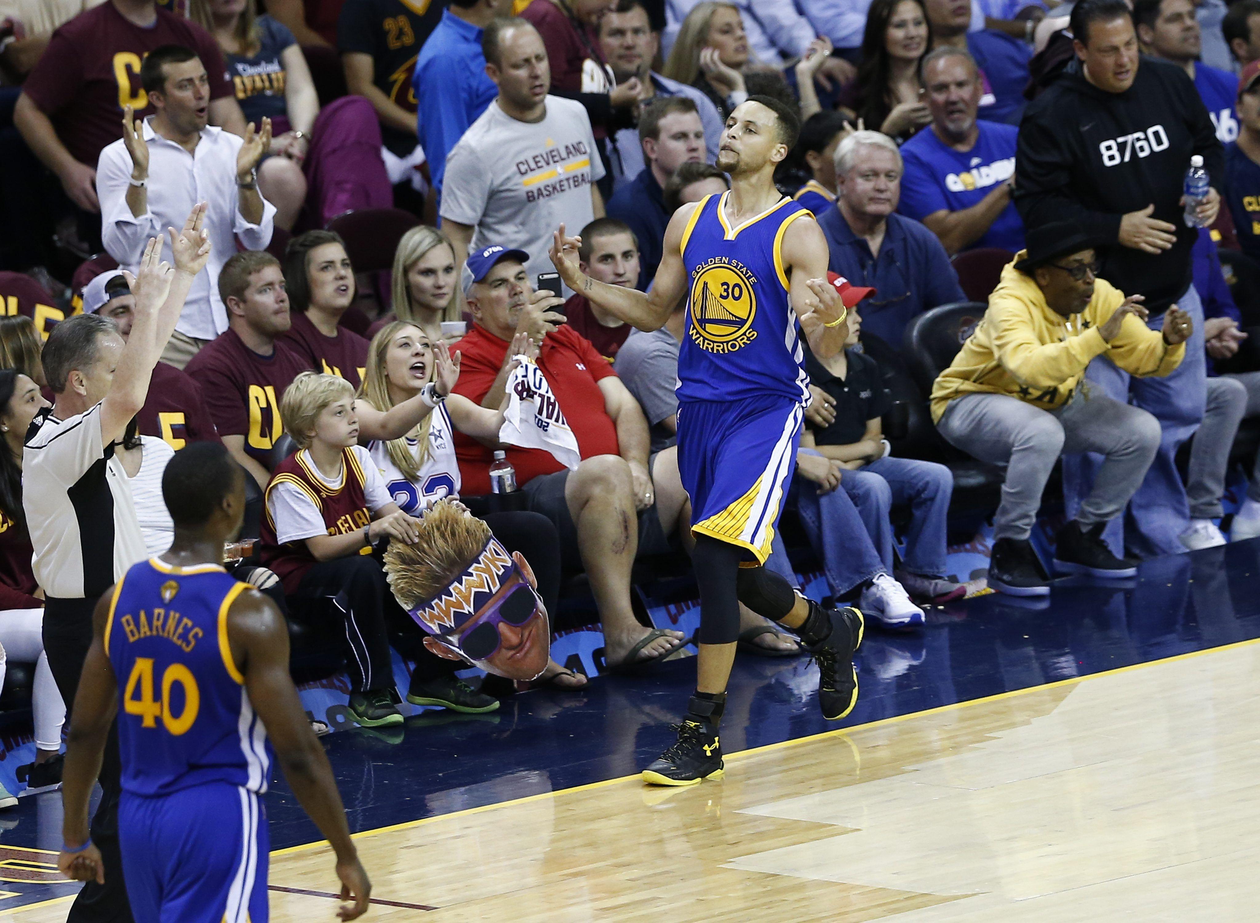 Golden State Warriors, a un paso de consagrarse bicampeón de la NBA