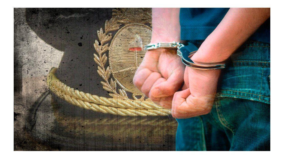 Escándalo con dos policías de la Bonaerense: pasaron del otro lado del mostrador