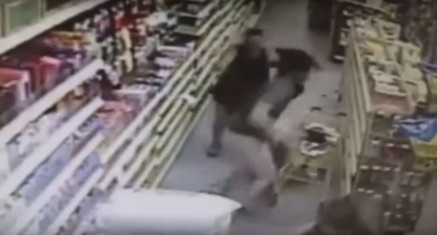 La reacción de una madre para evitar que secuestren a su hija: mirá el video