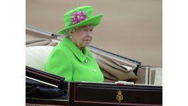 Revelan que casi matan a la reina Isabel II en su jardín