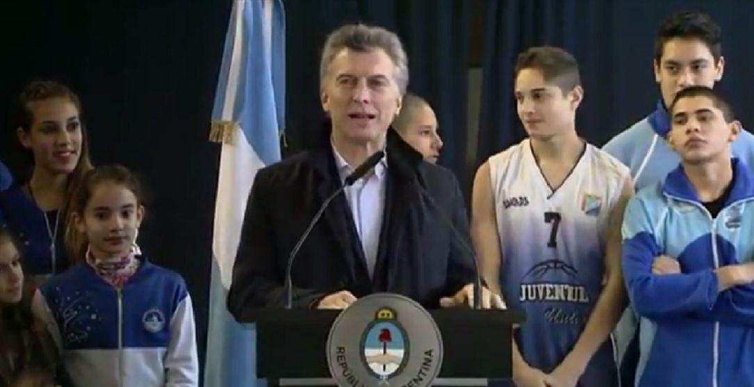 Macri reapareció tras sufrir una arritmia: Acá estoy, estoy bien