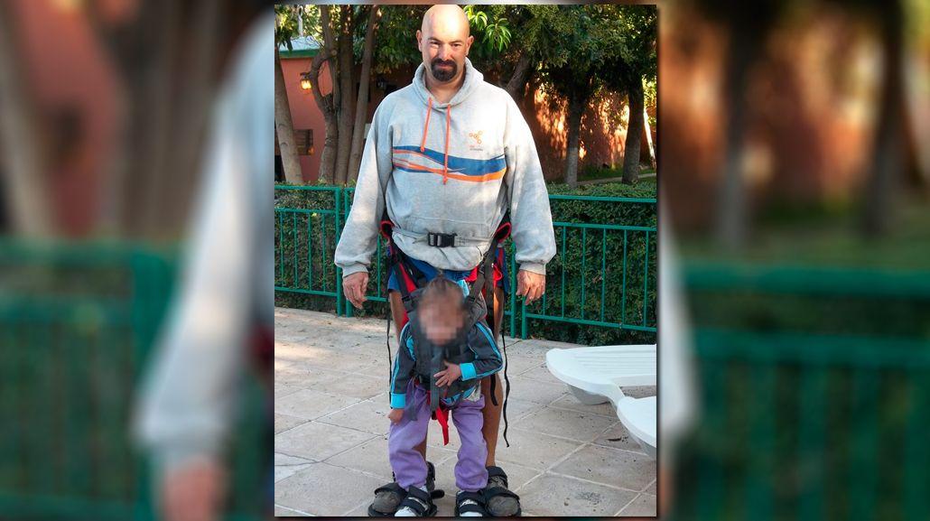 Le robaron el arnés que usa su hija cuadripléjica y pide ayuda por Facebook