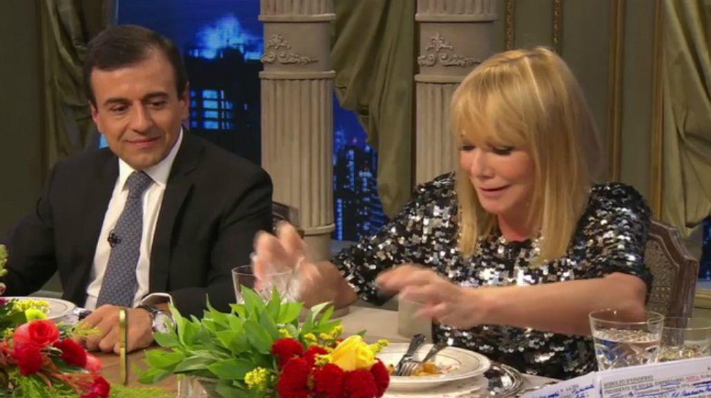¿Qué pasó con el vino? Soledad Silveyra y un divertido blopper en la mesa de Mirtha