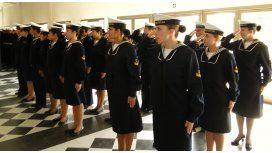 Le dijeron que iba escotada a la Armada