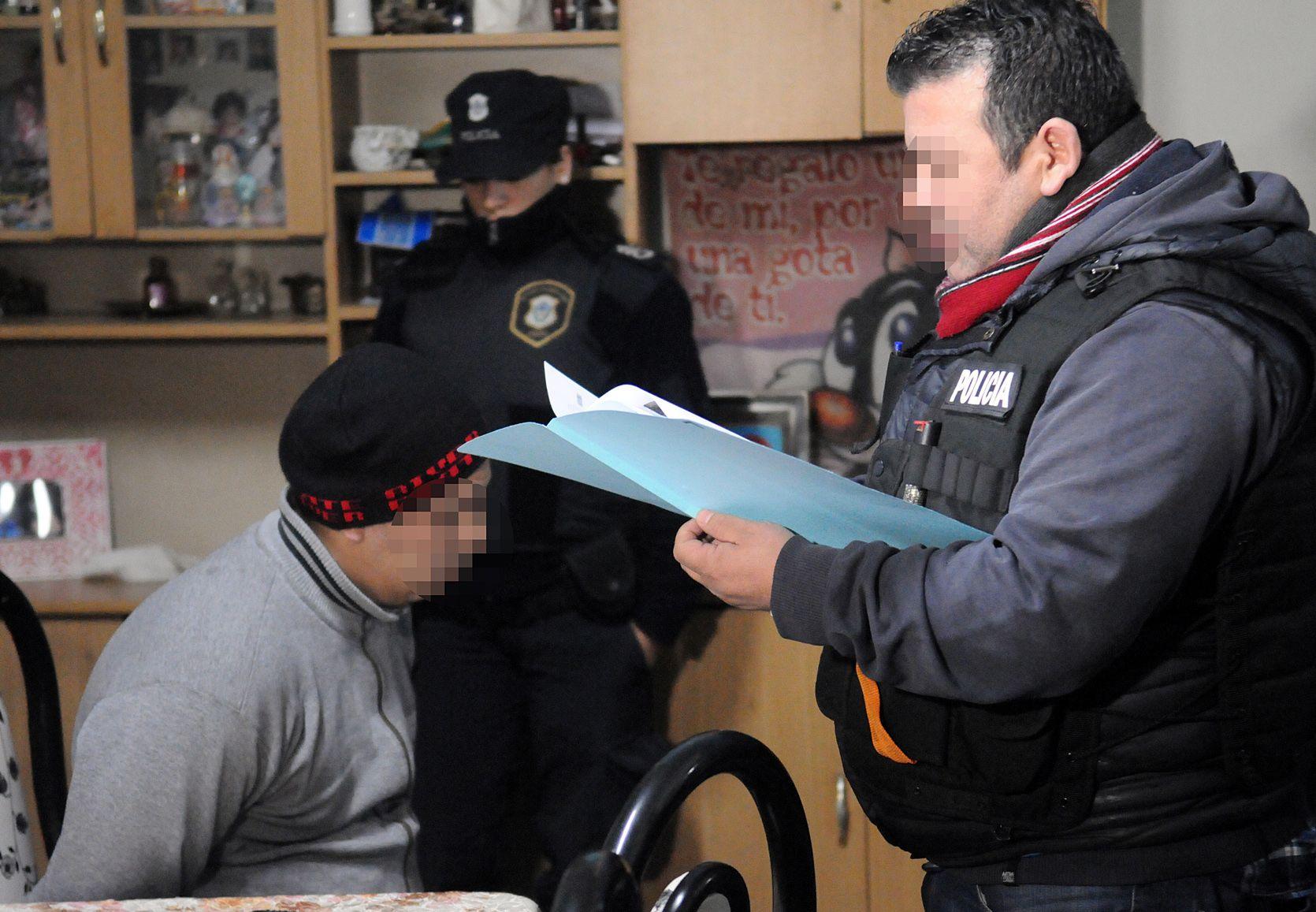 Desbaratan banda que actuaba disfrazada de policías en el oeste bonaerense