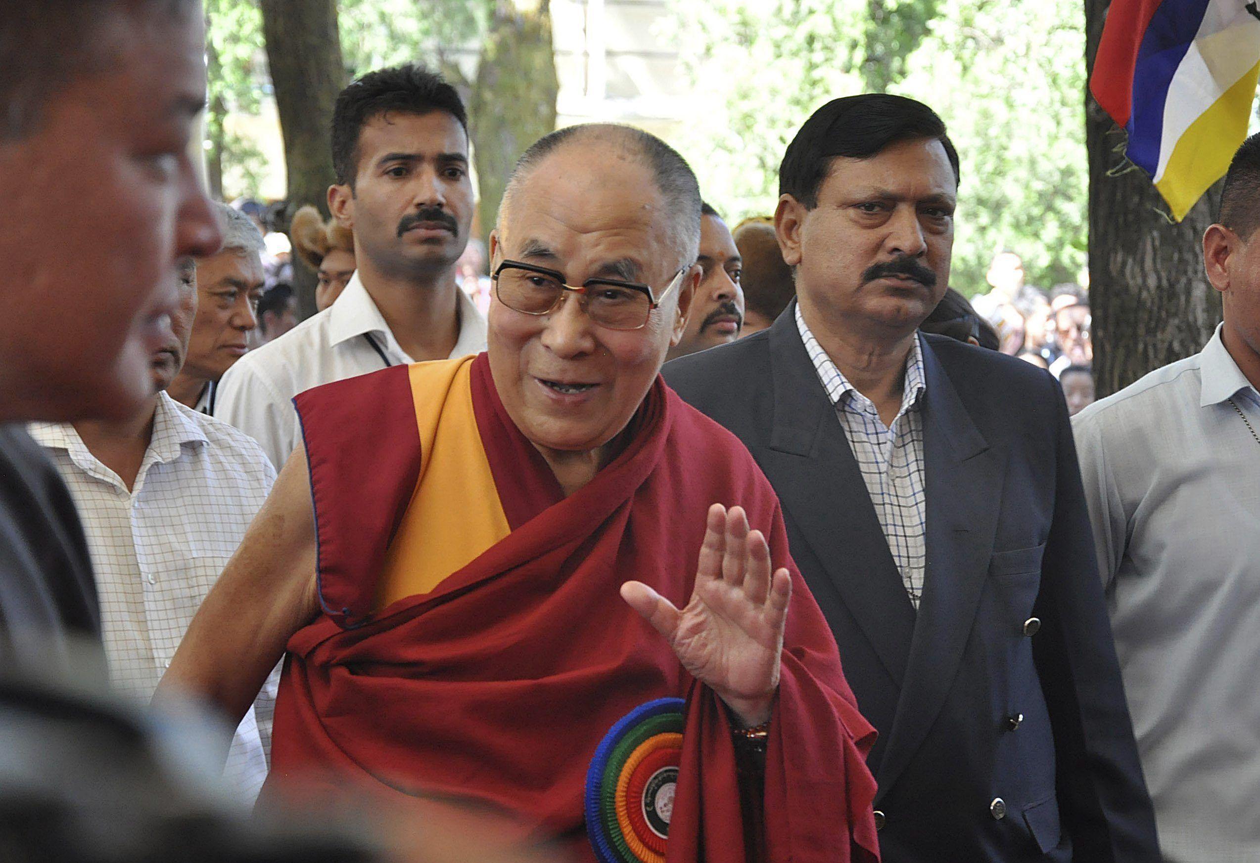 El Dalai Lama dijo que hay demasiados inmigrantes en Europa