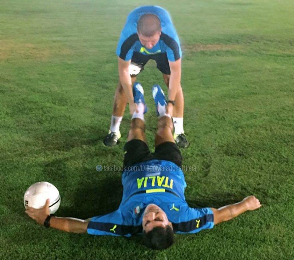 Preparate, Pelé: así se entrena Maradona para enfrentar al brasileño