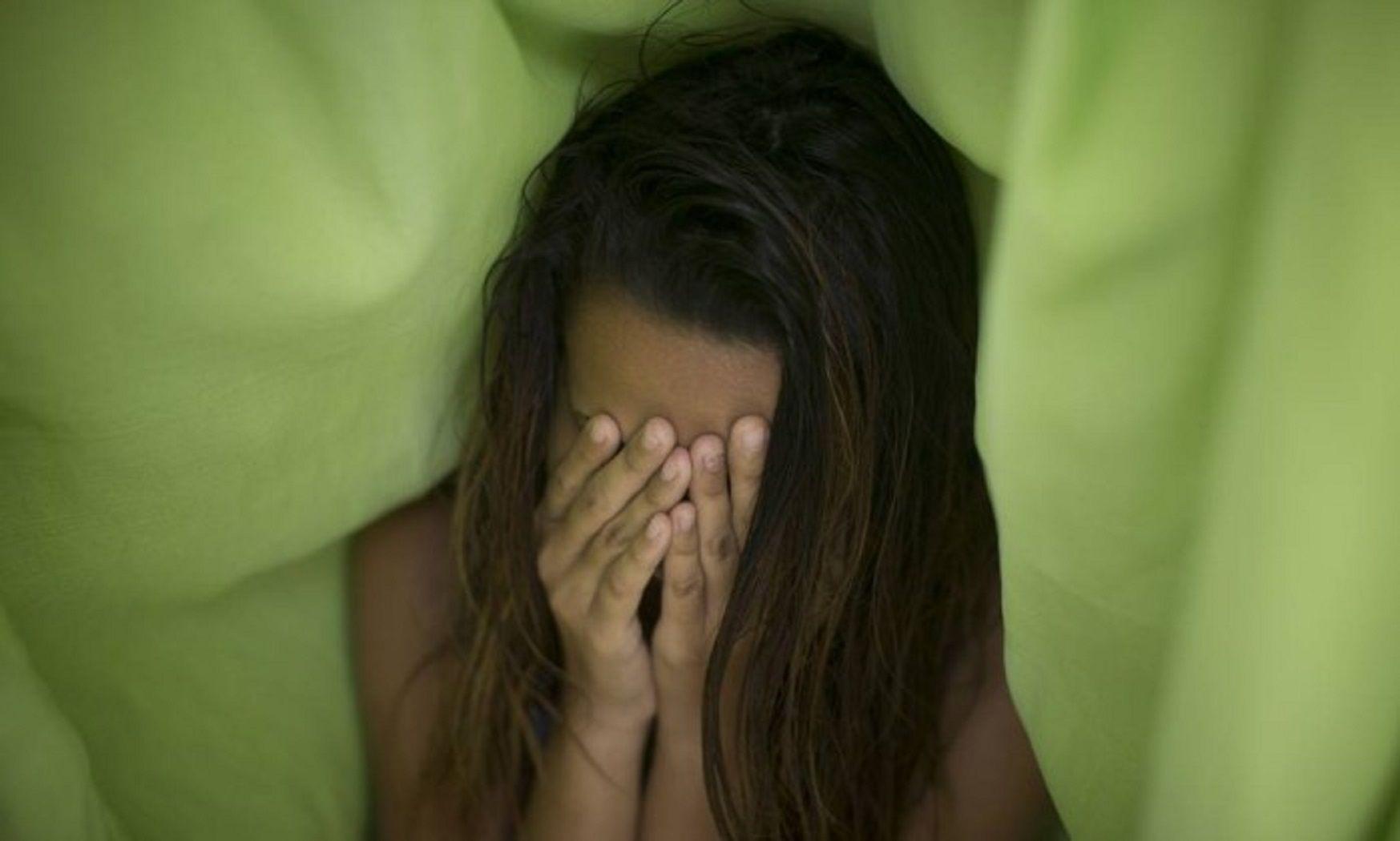 La joven brasileña fue violada por dos grupos de hombres en momentos diferentes
