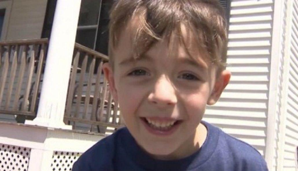 Llamó al 911 para denunciar que su papá había pasado un semáforo en rojo