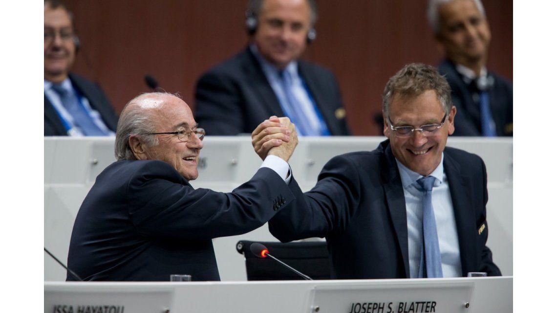 FIFA denunció que Blatter y se secretario general se enriquecieron en US$80 millones