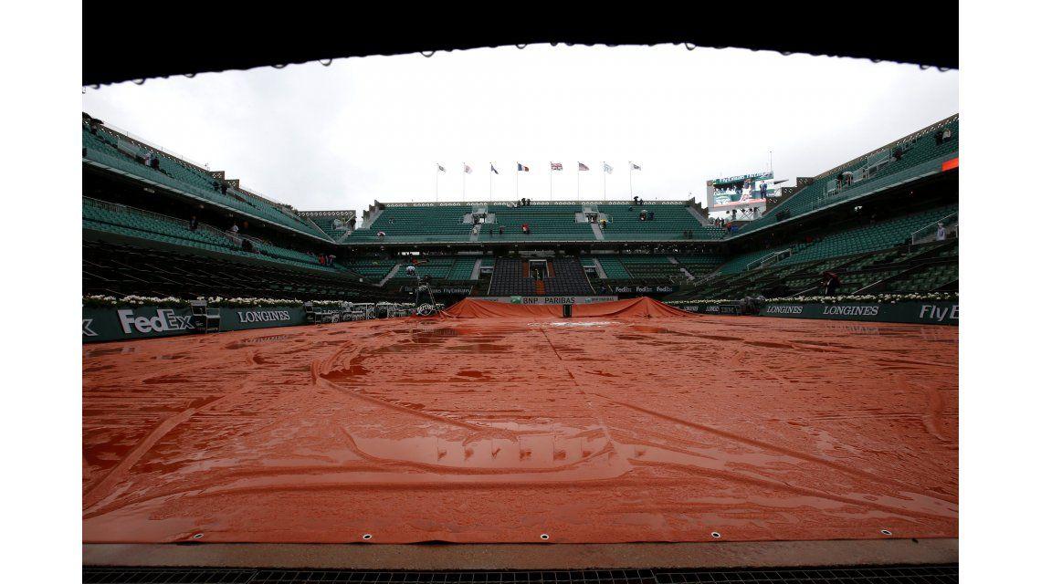 La lluvia obligó a suspender toda la jornada de Roland Garros