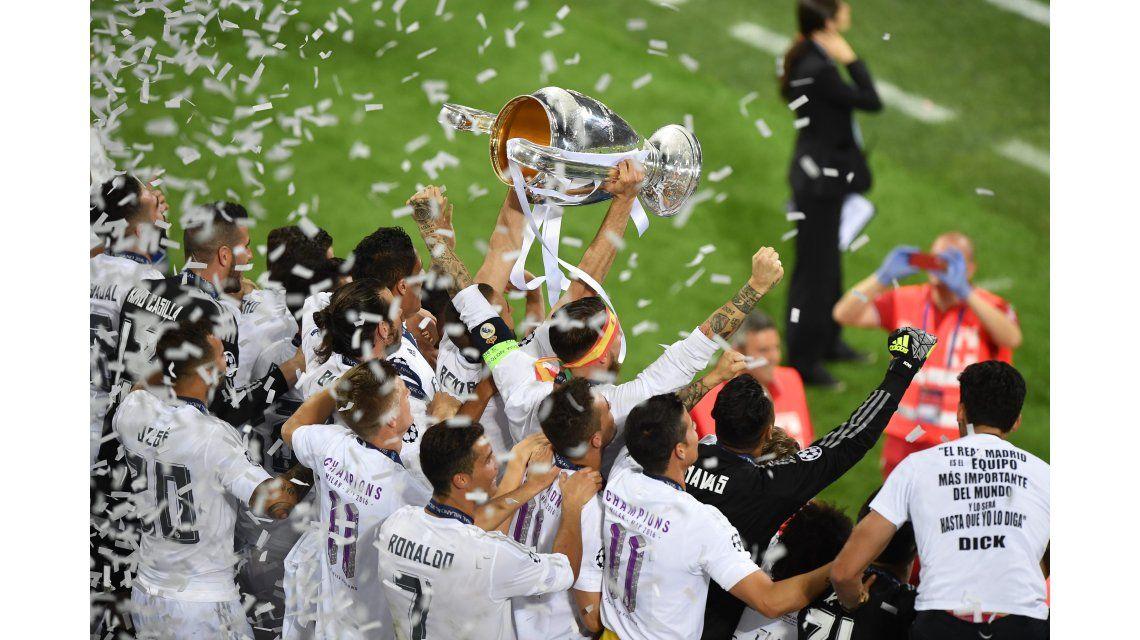 Un ejemplo: Barcelona felicitó a su clásico rival por el título en la Champions